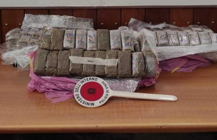 Palermo – Polizia intercetta carico di hashish dal valore di 200.000 Euro
