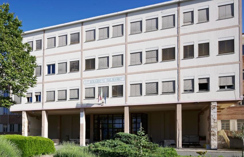 Edilizia scolastica: vincolo d'uso per 6 istituti del Torinese