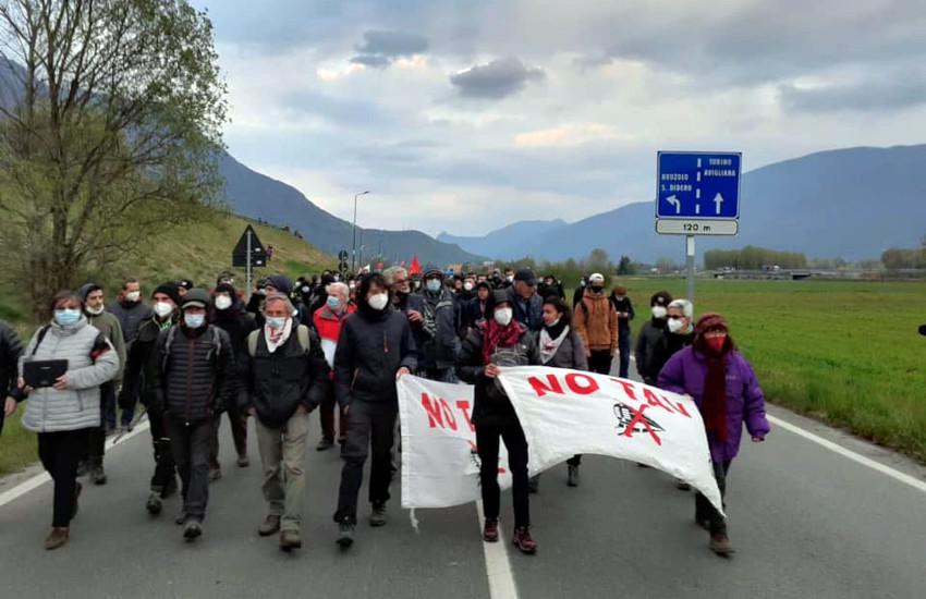 """Prosegue la protesta No TAV: nel weekend """"campeggio resistente"""""""