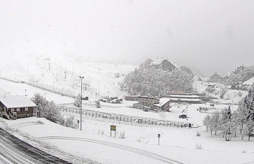 Ad aprile la neve imbianca di nuovo le valli piemontesi