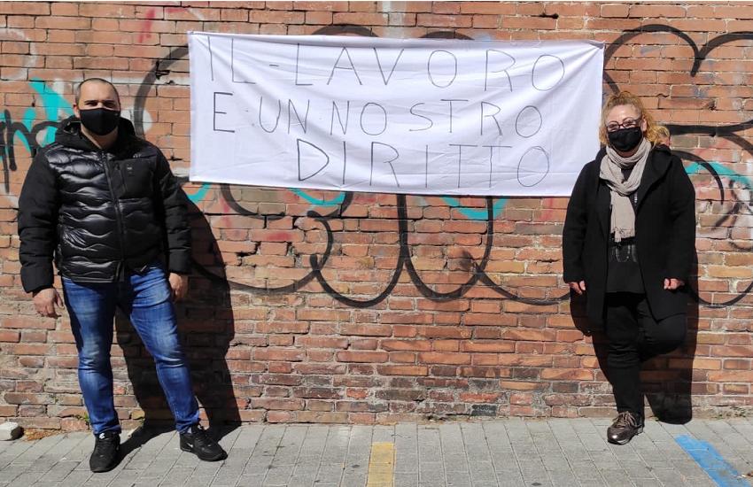 """La protesta dei mercatali: """"Vogliamo solo lavorare"""""""