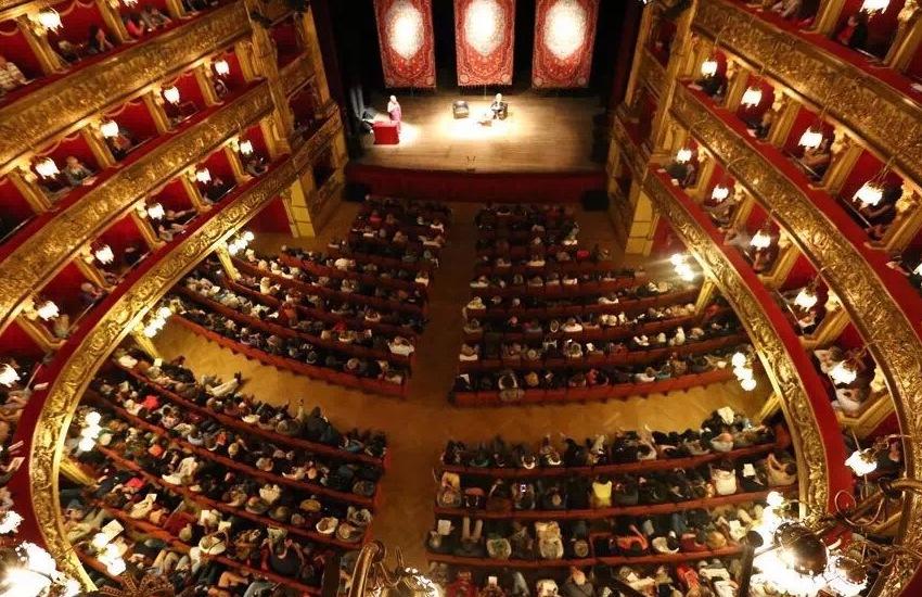 Palcoscenici del Teatro Stabile occupati dalle compagnie e dagli artisti del territorio