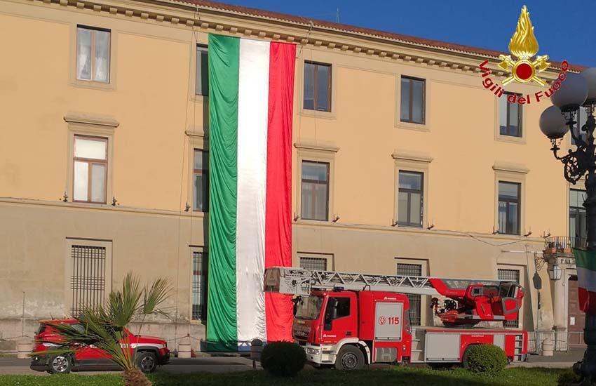 I Vigili del fuoco di Caserta celebrano il 25 aprile, 2021 anniversario della liberazione