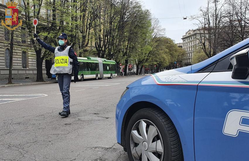 Milano: 14enne prende a sprangate 3 coetanei, arrestato