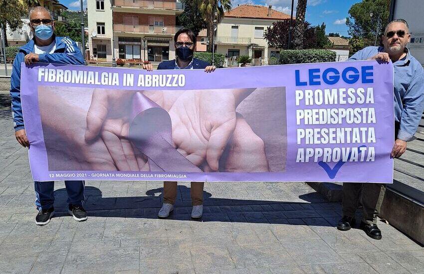 """Giornata mondiale fibromialgia,  D'Incecco (Lega): """"Luce viola accesa due mesi dal nostro gruppo consiliare"""""""