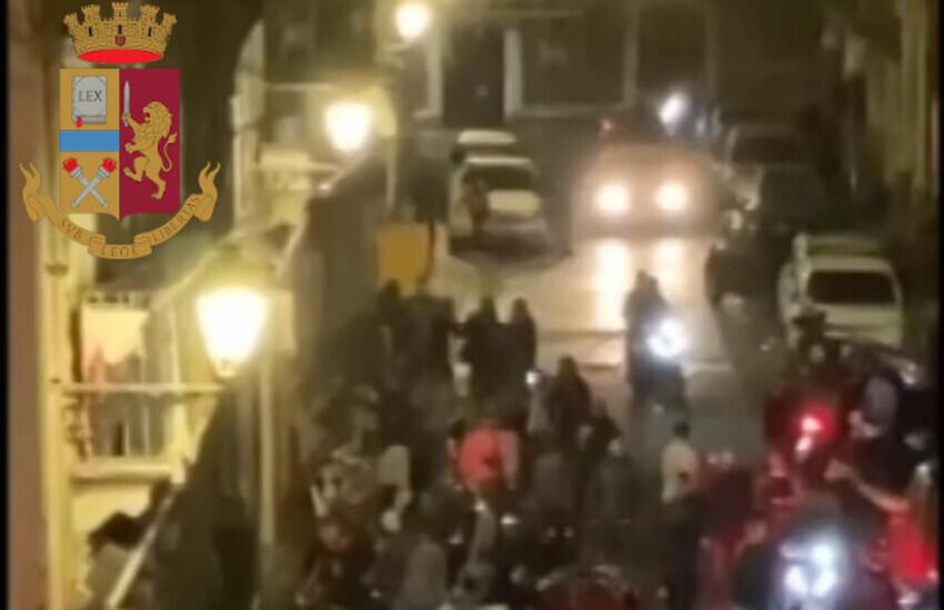 Via Pulvirenti, rissa e assembramenti, identificati e denunciati dalla Polizia 8 tra i responsabili