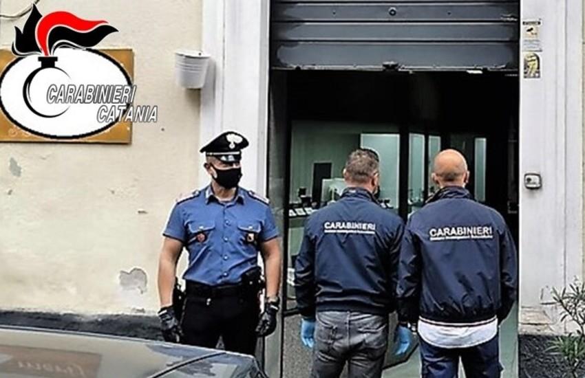 Via Oliveto Scammacca, prende a martellate il suo titolare e la moglie. Arrestato 30enne catanese