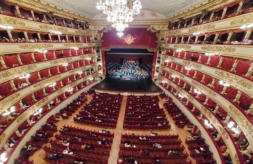 Milano: La Scala riapre al pubblico dopo 199 giorni