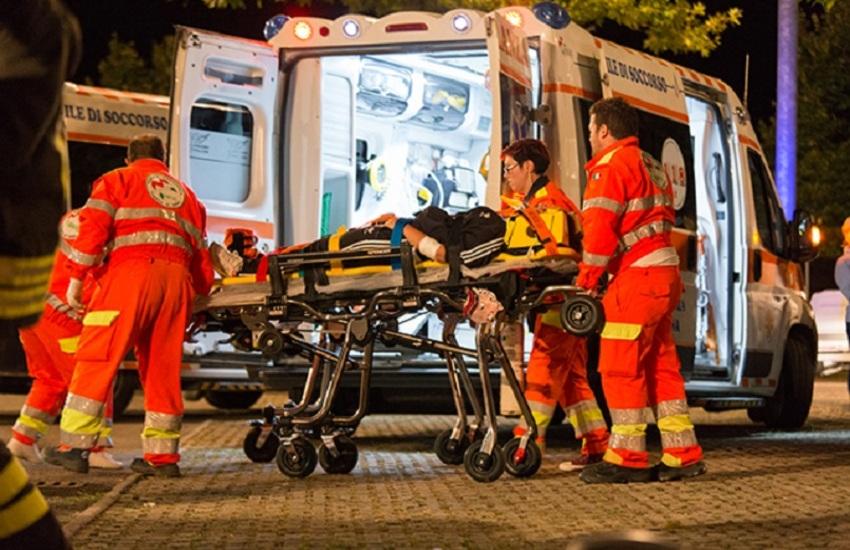 Milano: Auto si ribalta, un morto e un ferito grave