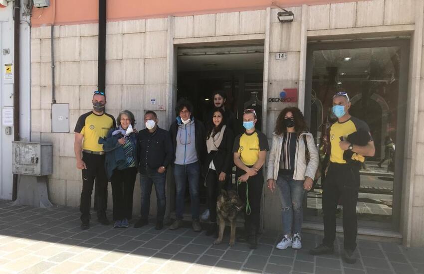 Vicende del Monte Velino, Gdf:  incontro tra i familiari di Degni e i soccorritori del Sagf