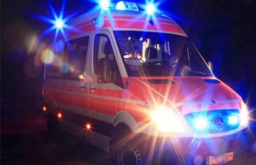 Milano: Scontro auto-moto, grave un 26enne