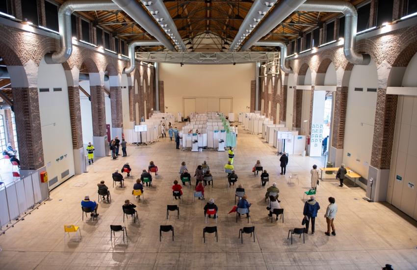 Vaccini: In Lombardia somministrate 95,5% dosi consegnate