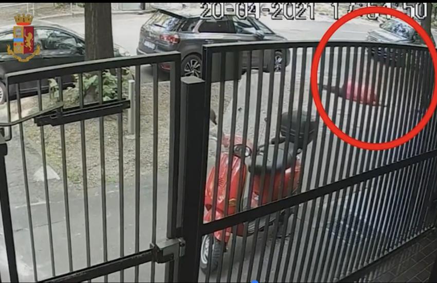 Milano: Calci e pugni ad anziani per rapinarli, due arresti