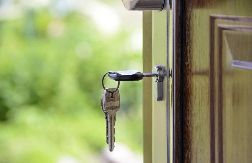 Lombardia: 'Non affitto a stranieri', casa negata a una coppia