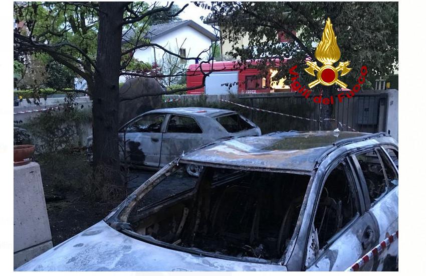 Mogliano Veneto, una Mercedes e un'Audi  incendiate