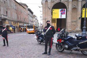 Lite familiare nella notte, fermato a Parma un 24enne