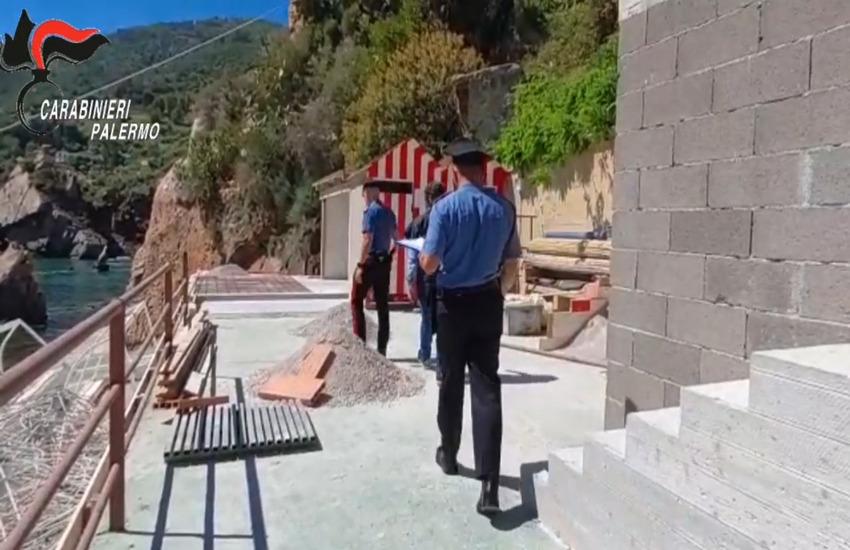 Cefalù – Costruiscono terrazzamento in cemento di fronte ai faraglioni, denunciati dai Carabinieri