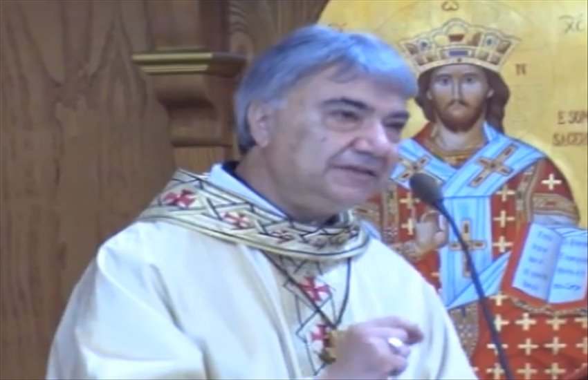 """L'arcivescovo di Napoli Mimmo Battaglia celebra messa a Ponticelli: """"Denunciate sempre, l'omertà uccide. Ci si inginocchia solo davanti a Dio"""""""