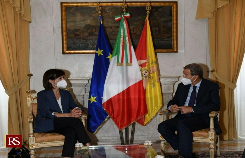 """Ministro Carfagna a Palazzo Orléans: """"Sicilia perno dell'Italia sul Mediterraneo"""""""