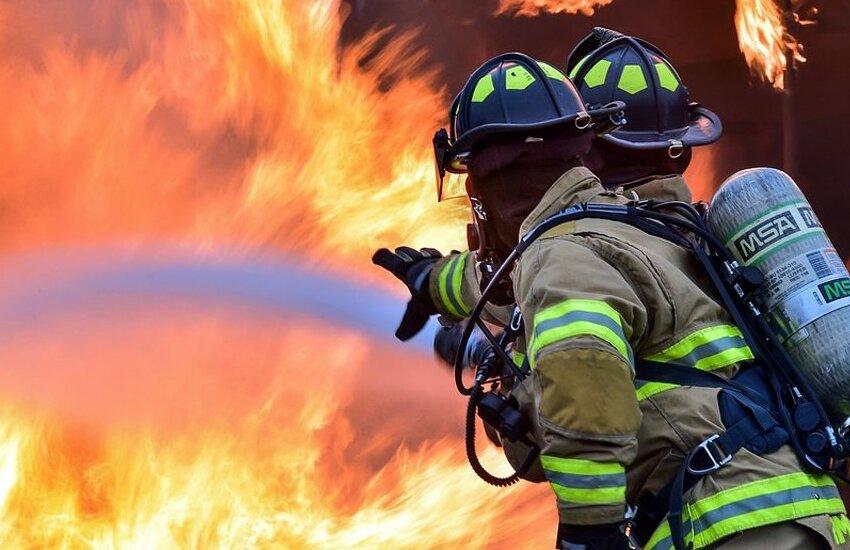 Reggio Calabria, le fiamme contano un'altra vittima nella Provincia