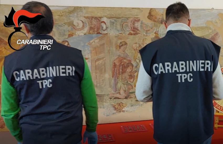 Vercelli, confiscati reperti per oltre 80mila euro: tra questi 600 monete antiche e 2 affreschi (VIDEO)