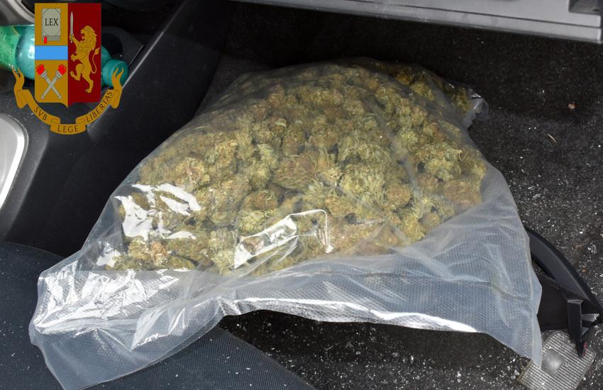 Adrano, arrestato con 1kg di marijuana dopo un inseguimento rocambolesco
