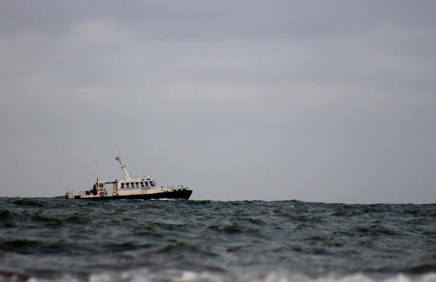 Pietre scagliate da motopesca turco contro peschereccio di Mazara del Vallo
