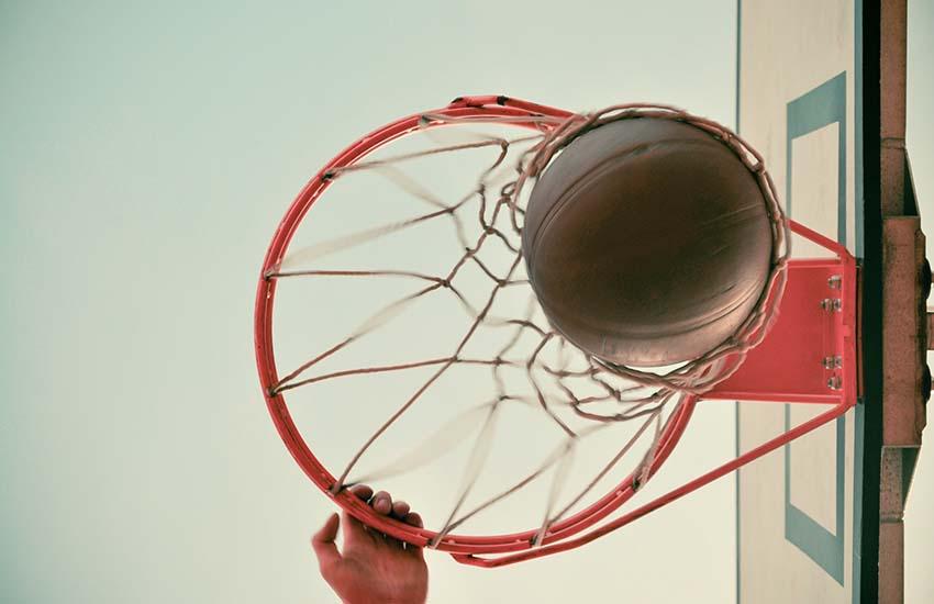 Baskettissimo, un numero speciale sabato 22 per rievocare i meriti del basket casertano