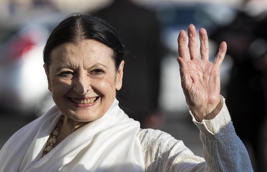 Carla Fracci è morta a Milano a 84 anni
