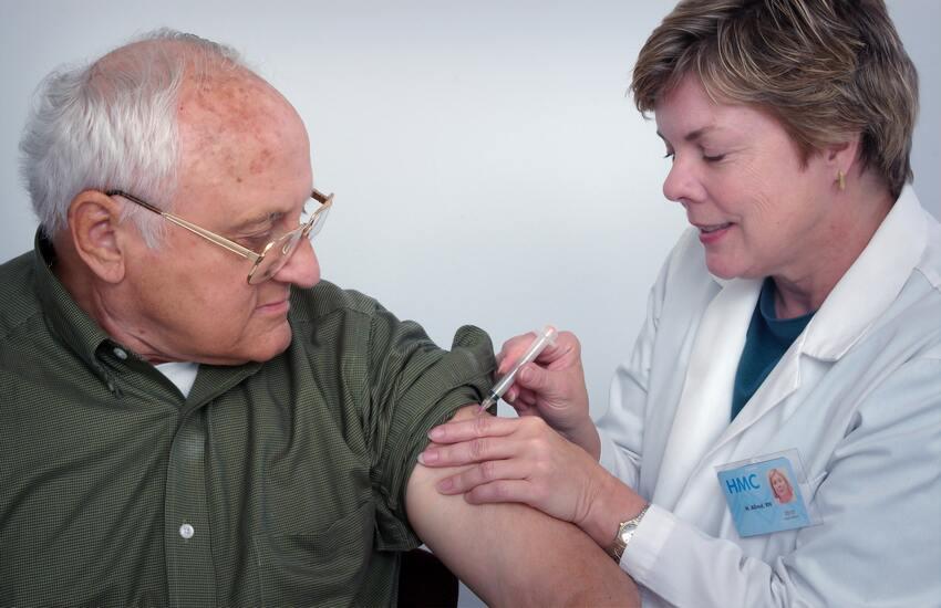 Covid: intesa tra Figliolo e Musumeci, al via da domani vaccinazione nelle isole minori