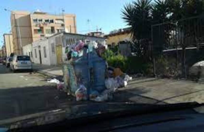 Emergenza rifiuti a Messina: esposto di De Luca contro la gestione Musumeci
