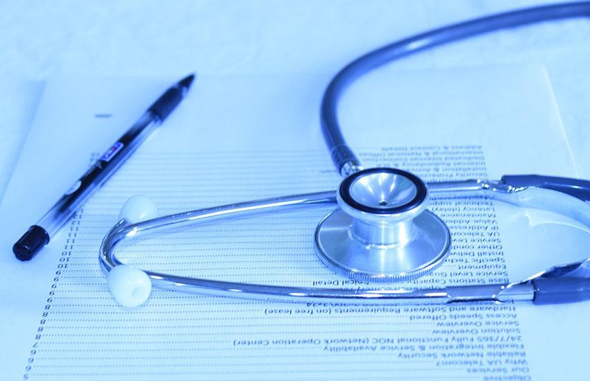 """Palermo, l'allarme dei Medici: """"I No-vax pretendono esami gratuiti per evitare il vaccino"""""""