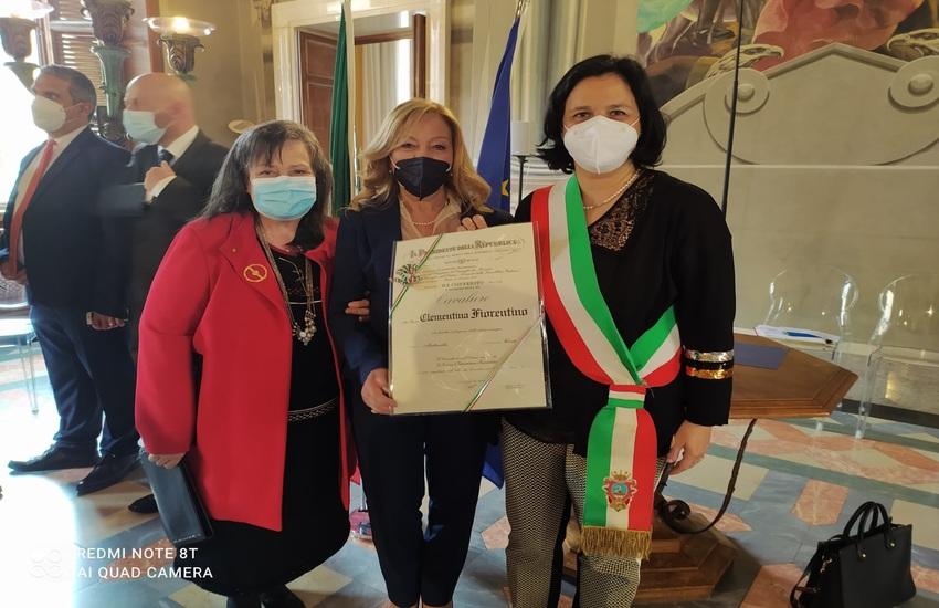 """La maestra Clementina Fiorentino """"Cavaliere dell'ordine al Merito della Repubblica Italiana"""".  Sindaco di Comiso: """"Riconoscimento importante e meritato"""""""