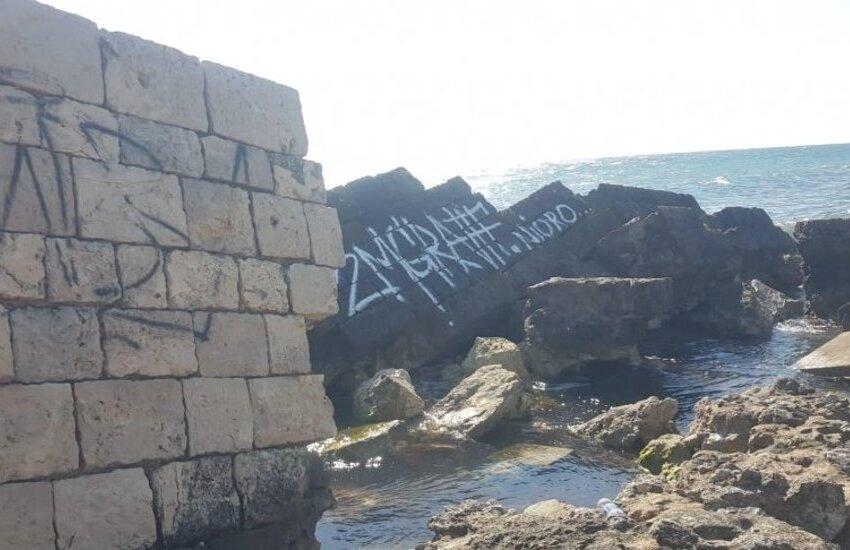 Molo di Adriano, ancora uno sfregio. Vandali in azione a San Cataldo