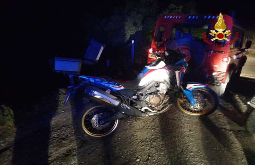 Due motociclisti dispersi nei boschi di Mandanici: salvati dai vigili del fuoco