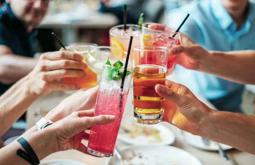 San Lazzaro di Savena: sanzionati quattro amici al bar