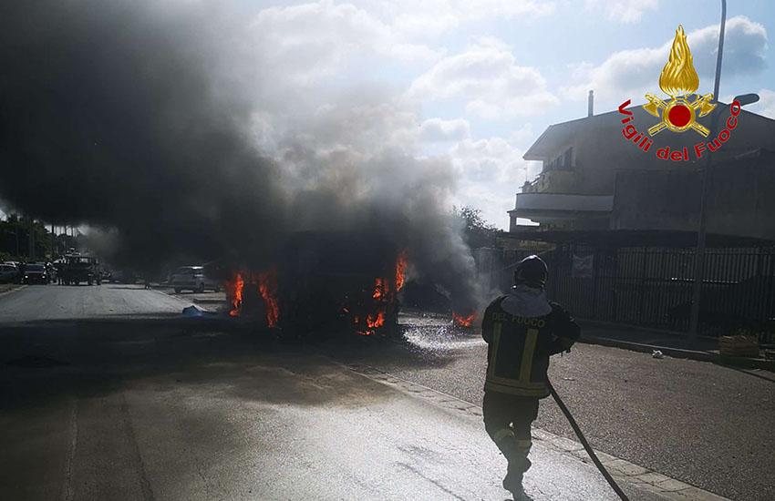 fuoco autobus