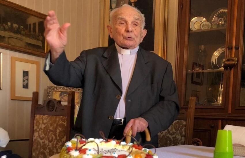 """Auguri a Monsignor Calì per i suoi 94 anni: """"un'istituzione"""" per la comunità vittoriese"""