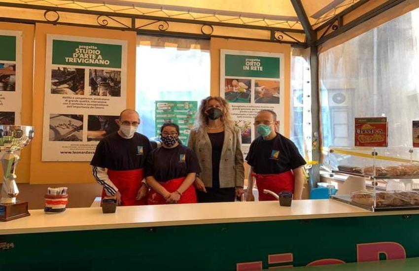 Roma visita della ministra  alle disabilità alla  scuola Vaccari