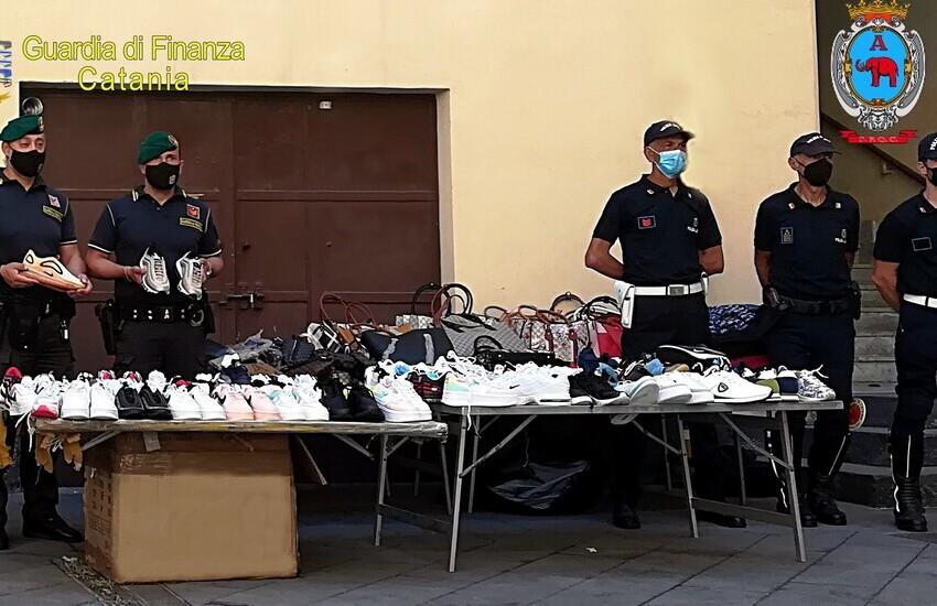 Catania, maxi sequestro al centro storico di scarpe e abiti griffati contraffatti