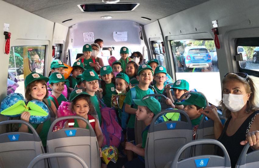 """Misterbianco, gli scuolabus del comune per il """"Progetto Mare 2021"""" dei bambini della scuola dell'infanzia"""