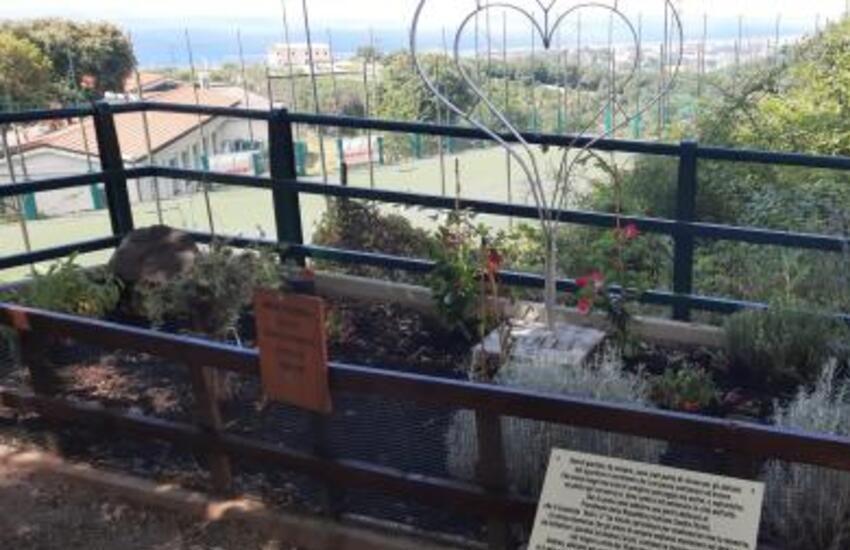Genova , i giardini di via Bartolomeo Bianco intitolati ad Andrea Cerulli, vittima genovese di ponte Morandi