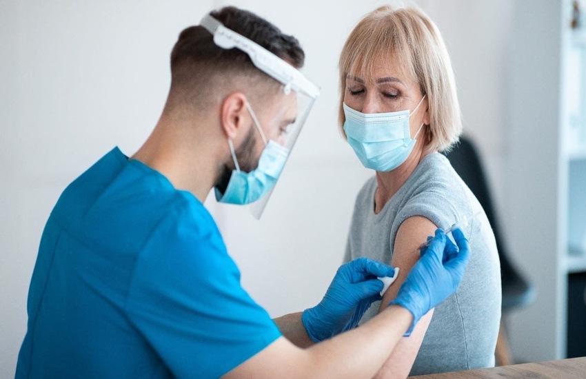 Lombardia: Dal 17 giugno riprendono richiami per under 60 vaccinati con AstraZeneca