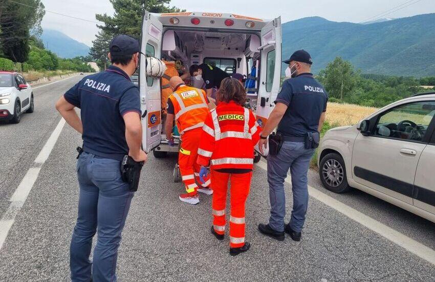 Sulmona, Polizia di Stato e 118, anziana bloccata in casa a causa di un malore: intervento immediato