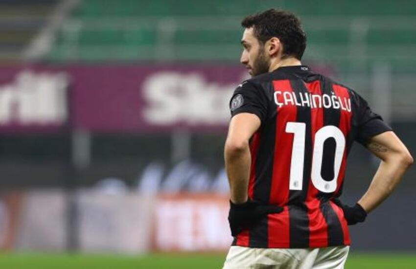 Mercato: Calhanoglu conferma, 'Ho accordo con Inter, domani firmo'