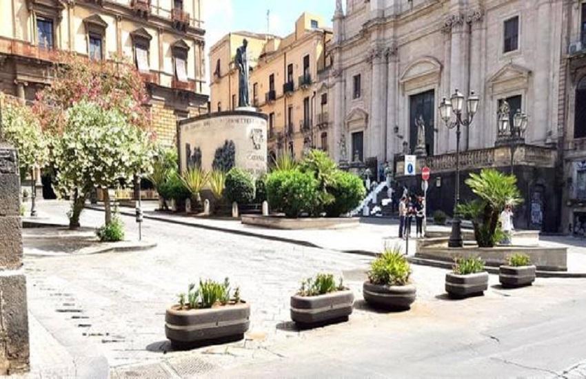Sosta selvaggia e chiusura al traffico: dissuasori in centro storico a Catania