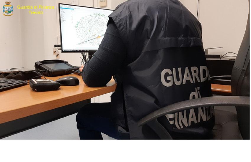 Genova, merce cinese transitava dalla Thailandia per evadere l'iva sequestrati 200 mila euro