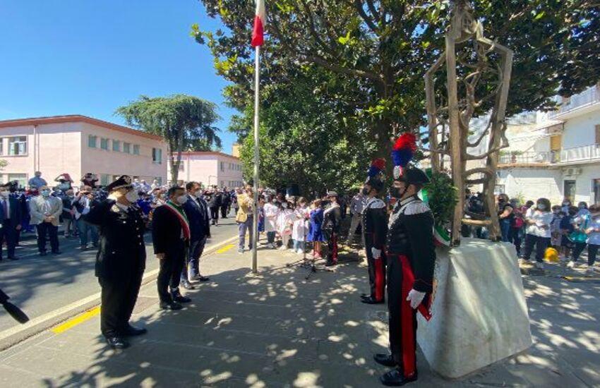 Pomigliano, cerimonia per la ricollocazione della statua di Salvo D'Acquisto