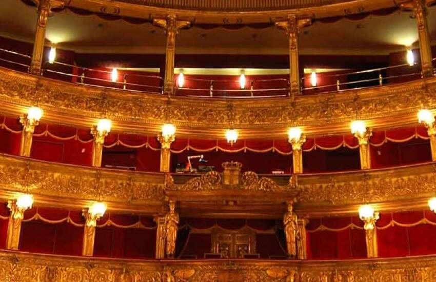 """Debutto al teatro Carignano di Gabriele Lavia con """"Le leggi della gravità"""""""