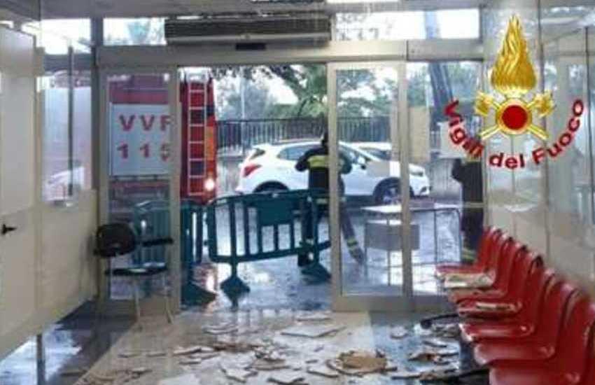Calabria, paura in Pronto Soccorso cittadino: crolla il controsoffitto